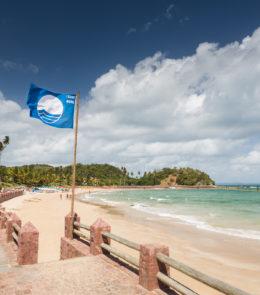 Praia na Ilha dos Frades tem Selo Bandeira Azul renovado pela 6ª vez