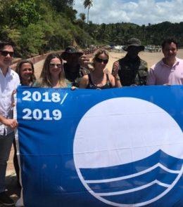Praia Ponta de Nossa Senhora tem certificação Bandeira Azul renovada